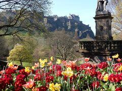 エジンバラ城から坂を下るとバグパイプの音色が  スコットランド