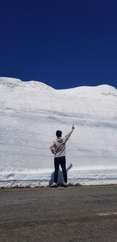 秋田市内からドライブして<br />氷の壁と秘湯の旅です