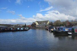 小さい船の旅ナローボートで運河を巡る イングランド その3