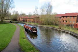 小さい船の旅ナローボートで運河を巡る イングランド その2
