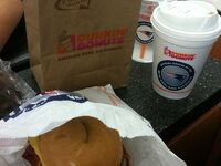 マサチューセッツ州 ボストン ー 空港のダンキンで朝食メニュー