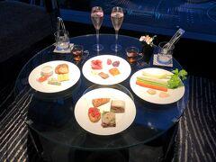 『ホテルニューオータニ東京 エグゼクティブハウス禅』宿泊記④エグゼクティブラウンジのオードブル、ナイトキャップ&チョコレート♪ピエールエルメ