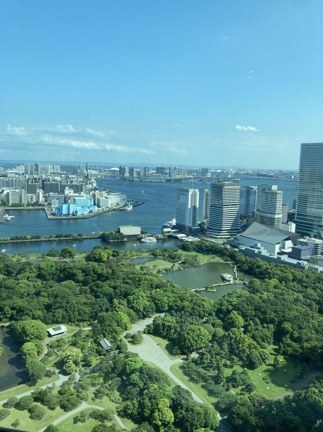 リモート留学中の娘のアメリカの祝日に合わせて沖縄行きを予約してあったが、緊急事態宣言中で沖縄はキャンセル 代わりにコンラッドに1泊 <br /> <br />今回パパも参加3人でお泊まり