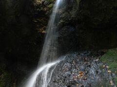 男鹿半島にある個性的な滝『大瀑(男鹿大滝)』◆JALどこかにマイルで行く角館・男鹿・秋田《その5》