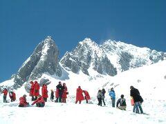 麗江古城及び近郊のツアー(1)トンパ文化村探訪及び玉龍雪山登山