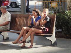 """初めてのバルセロナ 5(イタリア・スペイン・ポルトガル・オランダ 12日間の旅 7-5)""""Passeig de Gràcia"""" の美脚美女!"""