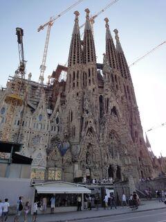 """初めてのバルセロナ 6(イタリア・スペイン・ポルトガル・オランダ 12日間の旅 7-6)工事は続くよいつまでも~、""""サグラダ・ファミリア""""!"""