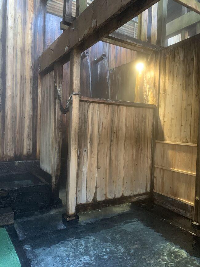 ふるさと納税の返礼品としていただいた米沢八湯宿泊券の、延長された期限は6月末。<br />3回目の延期をしたなら もう使えなくなっちゃうから、ギリギリ ε≡≡ヘ( ゚Д゚)ノ のタイミングで初めての山形県へ。<br /><br />米沢市郊外に湧く八つの個性豊かな温泉地のなかから選んだのは 白布温泉の東屋旅館さん。<br />日本100名城の山形城と、続日本100名城の米沢城にも登城します。