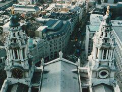 30年前、娘と息子とイギリスに行きまた。ロンドン、セントポールの屋上にも上りました。