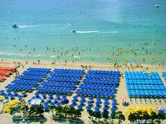 夏の韓国はあっついぞ~♪慶州&海雲台の旅 ② (ビーチ1面カラフルパラソル♪ホテルの部屋で上から眺めル~)