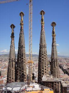 初めてのバルセロナ 24(イタリア・スペイン・ポルトガル・オランダ 12日間の旅 7-24)サグラダファミリア③ 上に上がって、4本の尖塔!