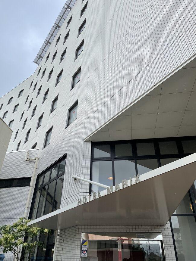 宮崎の定番ホテル。大浴場、サウナあり一階には居酒屋ありのビジネスホテル。つぼ八は部屋にも配達できる便利さ。雨や疲れたときにはデリバリー。館内に飲食できる施設があると助かりますよ。