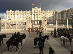 マドリード(Madrid) 4日目(アルムデナ大聖堂、王宮、スペイン広場)