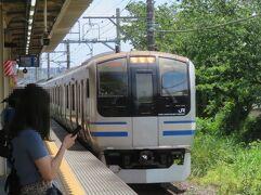 初夏の横浜(1)横須賀線新旧電車を記録・記憶し、シァル横浜で弁当買って、みなとみらい線でホテルへ