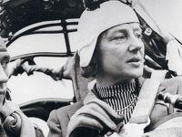 番外編:空を飛ぶ伯爵夫人メリッタ・シュタウフェンベルクは、索敵中の米軍機に撃墜され、無念の死を遂げた。