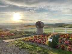 秋の訪れを感じる美瑛・富良野 (1) - 青い池、白ひげの滝、新栄の丘で夕日