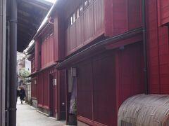 レトロ建築と町家の風景を楽しむ金沢の裏道散歩  老舗と地元民お勧めのお店も紹介