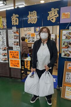トラピックス 釧路で過ごす10日間(15)最終日の釧路は青天の中の港を散歩して、和商市場でお土産を買って空港へ向かう。