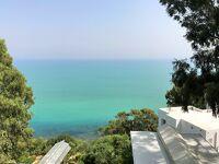 チュニスNo1観光スポット[シディ・ブ・サイド]の地中海を望むプチホテル La Villa Bleue