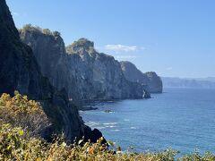 小樽のオタモイ海岸から祝津へ 二山越えのトレッキング 夢の竜宮城に思いを馳せる