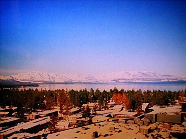 タホ湖 (カリフォルニア州とネバダ州) Lake Tahoe, California and ...