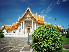 ワット・ベンチャマボピット(Wat benchamabopit)   次はワット・ベンチャマボピット(Wat benchamabopit)という所にきました。 この寺は今回初めて、というか存在も知らなかったのですが、ツアーの内容もよく確認しなかったため何と言う寺かは後でガイドブックで確認しました。