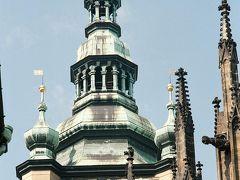 日本の五重塔みたいに、プラハの塔のテッペンはなにか意味があるのでしょうか。