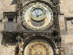 ご存知、市庁舎の天文時計。カラクリは期待はずれでした。むかしなのでしょうがないか、という気もしますが、イタリアにはレオナルド・ダビンチという天才がいた、というのも思い出します。