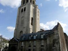 そして、ここが、<サンジェルマン デ プレ教会>  鄙びた佇まいが、歴史を感じさせるね。