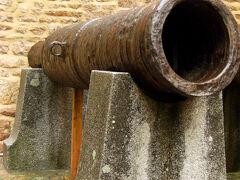大通り門の横に、大砲が在ったので...