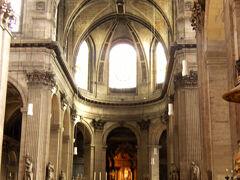 サンシュルピス教会の中です。  外側は、工事中でした。