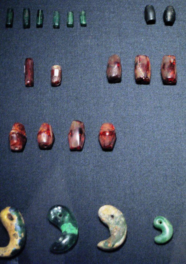 2009春、韓国紀行19(37)補遺2・国立中央博物館(7/7)新石器~三国時代・装飾品、銅鏡