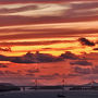 瀬戸内海に日が沈む。夕焼けに染まる南北備讃瀬戸大橋 /香川県 五色台