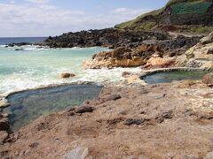 東温泉。きれいな緑色のミョウバン温泉。