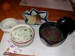 地元関川のコシヒカリの山菜御飯。