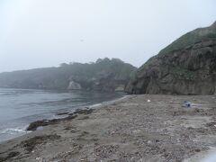 江差町のかもめ島。陸続きの島で、名前の通りカモメが盛んに飛んでいる。