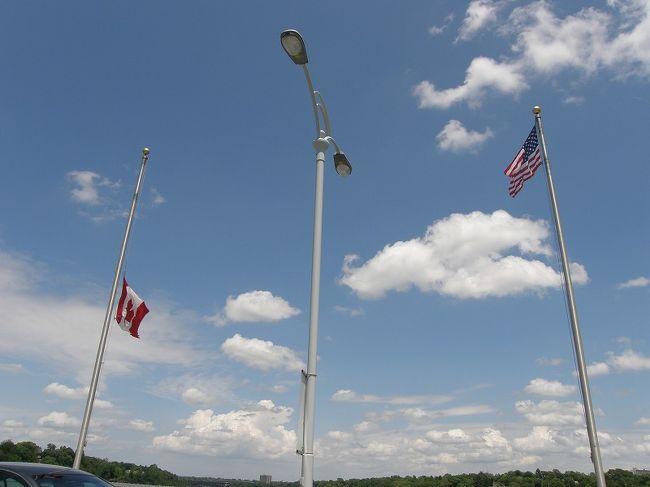 花と緑のカナディアンロッキーハイキングとナイアガラ・・・⑲自由行動でアメリカへ渡る