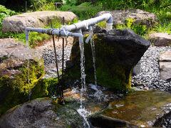 宿の近くに、甘露水というものがあった。 宿の水は、すべてこの水を使っているそうだ。 冷たくてなかなか美味しかった。