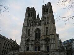 サン・ミッシェル大聖堂 ベルギー王室の冠婚葬祭などにも使われるベルギーで一番格式の高い教会だそうです。