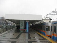 1駅目のゼイティンブルヌ駅で下車します。