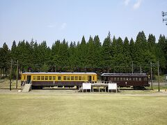 2日目は、加茂市に寄ってからの帰宅です。  それは、冬鳥越スキー場(旧冬鳥越駅)に静態保存されている蒲原鉄道の車両を見る為。