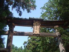 穂高神社はもともと海神族(海の神様)の穂高見命を祀った神社ですが、今は登山などの安全を祈ってお参りする人が多いそうです。