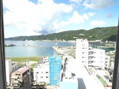 名瀬港が見えるホテル