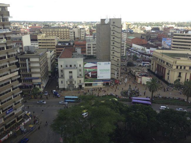 ケニアのマサイマラでサファリ、...