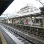 ●JR米子駅  通勤、通学が終わって、少々静かなJR米子駅。 雨がシトシト降ってます。