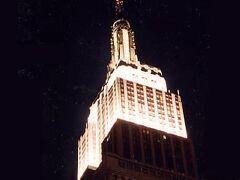NY名物の1つ、エンパイア・ステート・ビル。