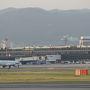 ●大阪国際空港@伊丹スカイパークから  いつもは、飛行機の中から見るこのスカイパーク。 今日は逆の目線で、沢山の人を見送りたいと思います。