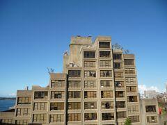 ハーバーブリッジより。 天への回廊みたいな建物。 PCのデスクトップの画像に使用している、お気に入りの一枚です。