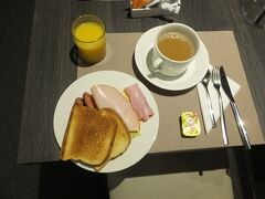 06:52 朝食。