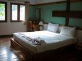 サムイ島のホテルの部屋です。チャウエン・ビーチの北側にある繁華街の路地を入ったビーチ側です。豪華なリゾート・ホテルではなく、部屋の質感はまあまあですが、静かでスタッフの対応も良く値段相応のホテルでした。